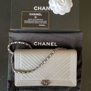 CHANEL WOC Clutch Chevron Grey Metallic Ruthenium